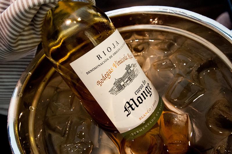 "vino tinto ""RIOJA"" , restaurante ARZAK"