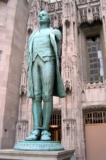 Chicago - Near Northside: Nathan Hale statue | by wallyg