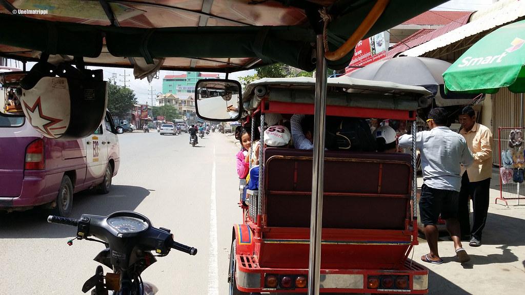 Tuk tukin kyydissä Phnom Penhissä