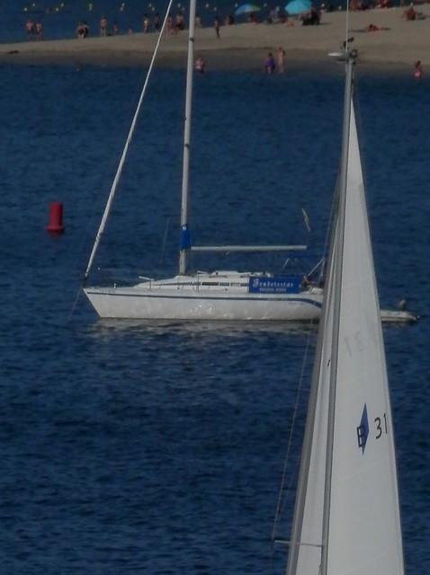 2 veleros y playa