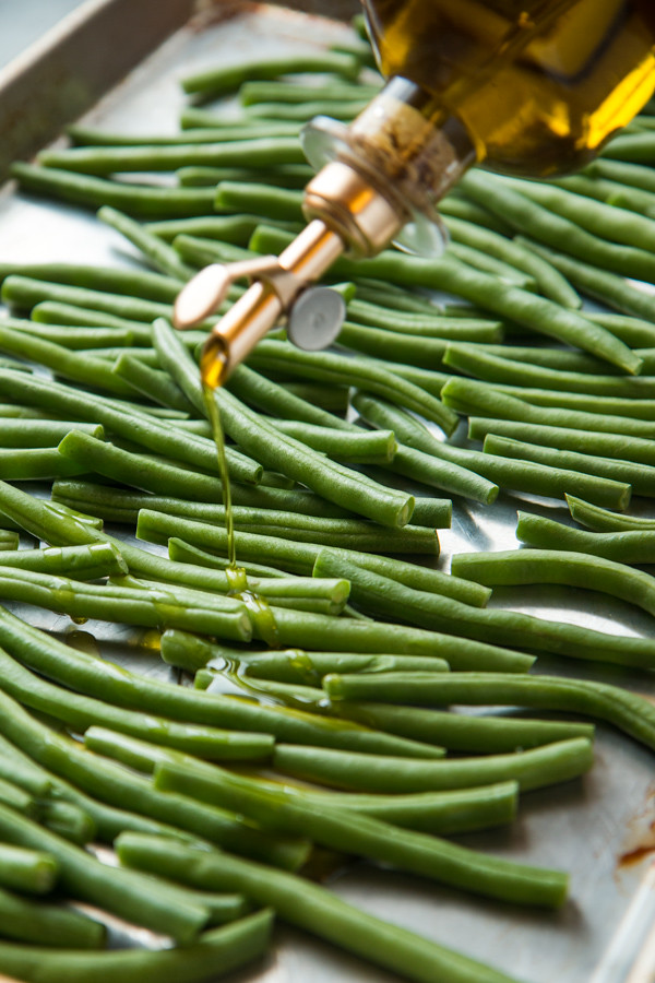 Easy and Addictive Roasted Green Beans | Will Cook For Friends