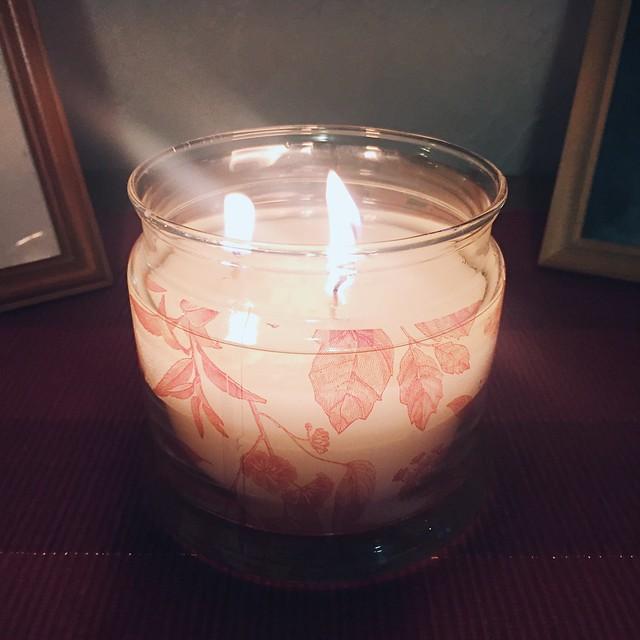KynttiläPartylite, kynttilä, candle, joulu, christmas, decor, sisustus, koristeet, interior, inspiration, tunnelma, atmosphere, kaunis tuoksu, wonderfully scented, partylite kynttilä, partylite candle,
