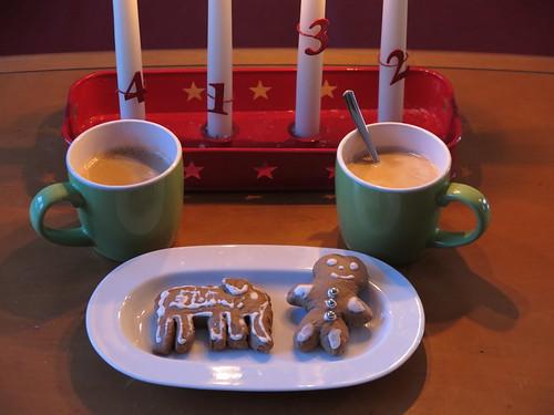 Lebkuchenelefant und Lebkuchenmännchen zum Nachmittagskaffee am 3. Advent