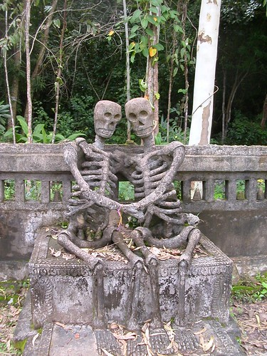 Skeletons in love | by peterkellystudios