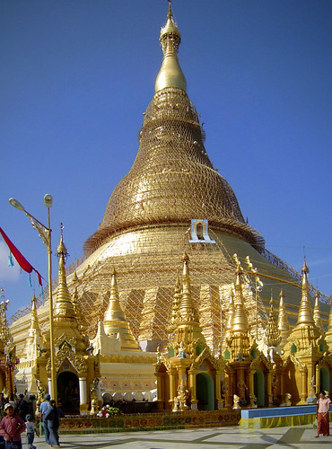 bamboo scaffolding around shwedagon -- burnishing the gold plates | by flappingwings