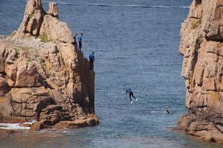 091 Jongens die van rosten springen