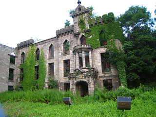 Roosevelt Island Smallpox Hospital | by @superamit