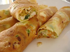 Vegetable crepes with cottage filling / Crepes de legumes com recheio de cottage | by Patricia Scarpin