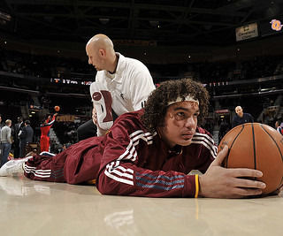 Andy Stretches Before the Wizards Game | by Cavs History