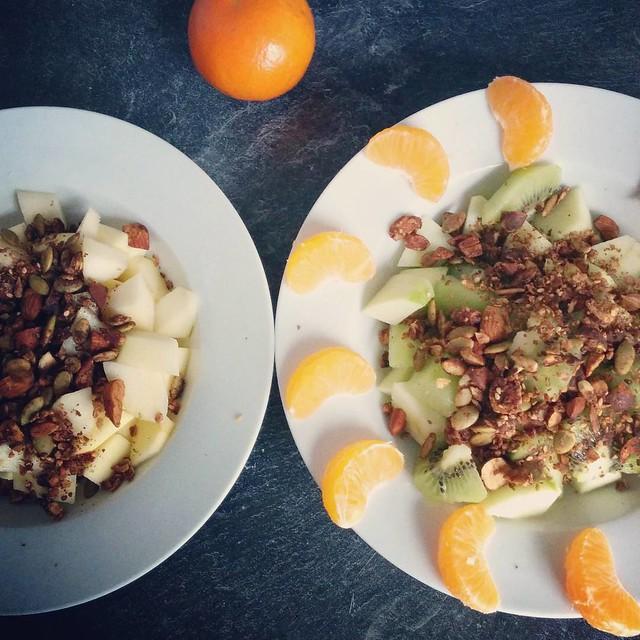 Vieruurtje van fruit en granola! 🍌 #vieruurtje #healthylife #healthyfood #healthysnack #granola