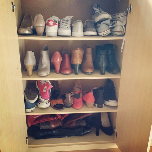 En ook de schoenkast is er klaar voor! 👠 #kleerkastwissel #seizoenswissel #steunzolenproof #schoenen