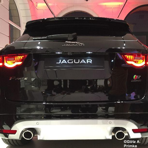 Jaguar F-PACE SUV Apr 2016_031