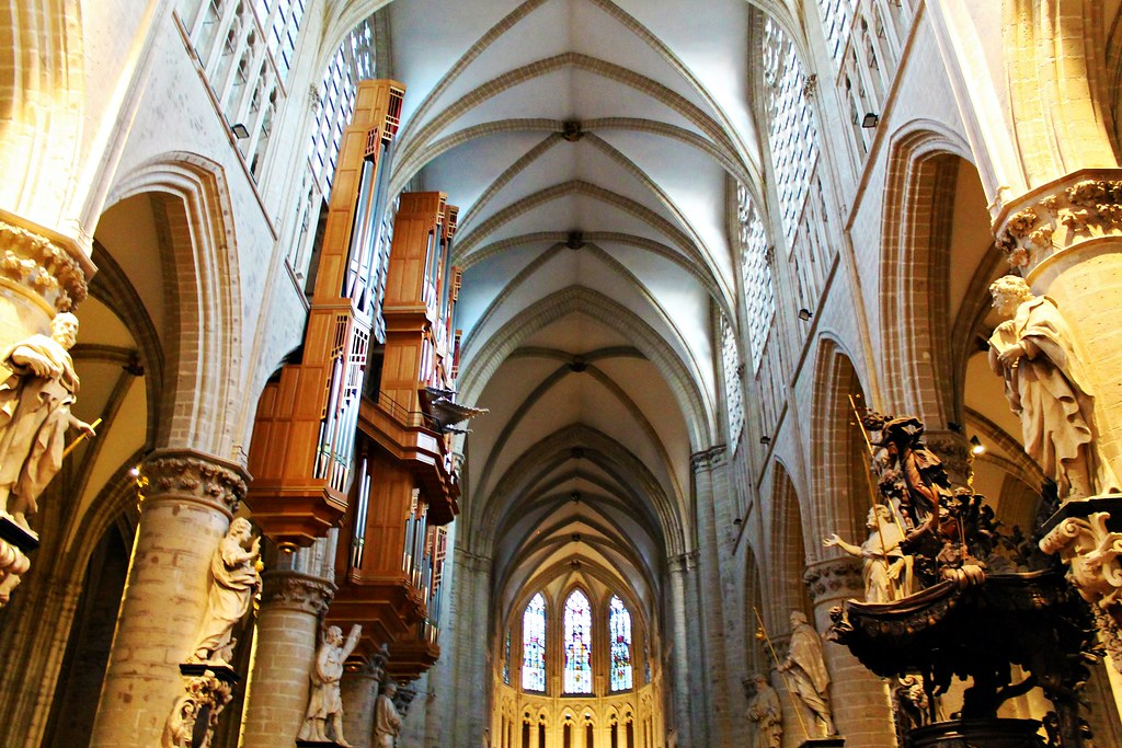 Drawing Dreaming - 48 horas em Bruxelas - o que fazer - Catedral Saint Michel e Gudule