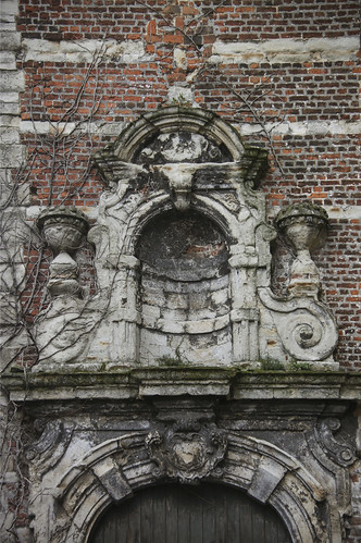 Mechelen, renovation for ruined church into town library b ...