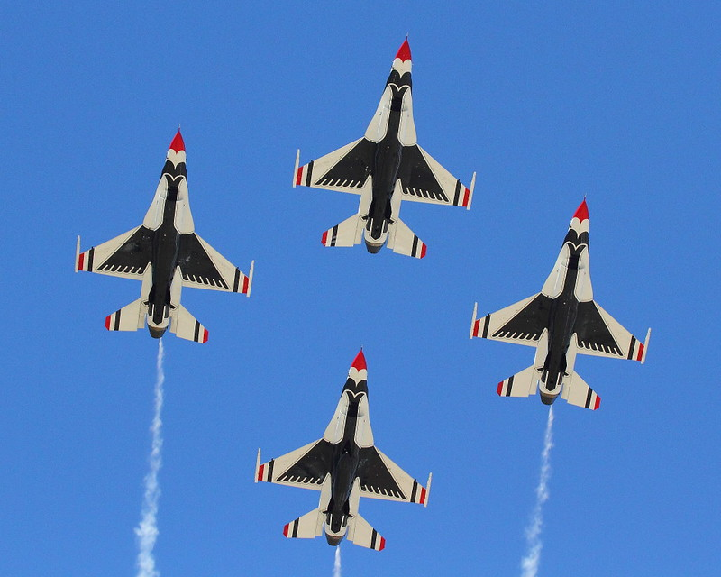 IMG_8660 Thunderbirds, March Field Airfest