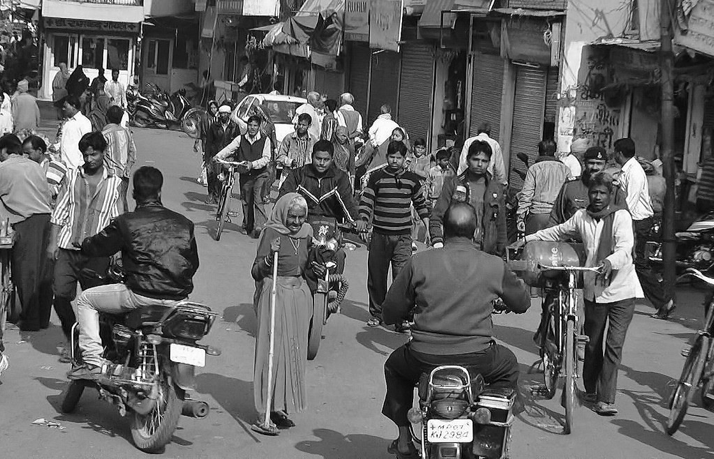 INDIEN, Menschen in Gwalior, auf den Straßen, 13584/6564