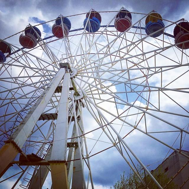 #lviv #ukraine #sky #park #ferriswheel #spring #lvivua #ualviv #lvivblog #lvivgroup #lvivgram #lvivingram #lviving #ilovelviv #leopolis #travel #travelling #travelingram #travelukraine #architecture