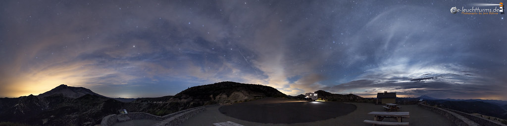 Nightly sky above Mount St. Helens