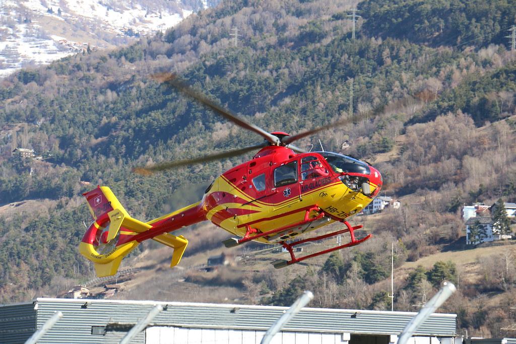 Aéroport - base aérienne de Sion (Suisse) 25380951404_3d149fe2a3_b