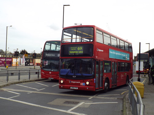 Loan - Tower Transit 18239, LX04FYF at Canning Town on route 69 to Walthamstow Central