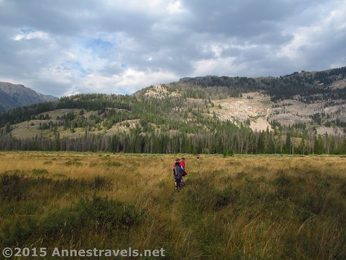 Hiking between the Green River Lakes on the Porcupine Trail, Wind River Range, Wyoming