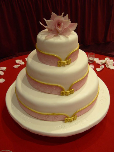 wild wedding cakes qipao collar wedding cake this wedding cake was inspired 27481