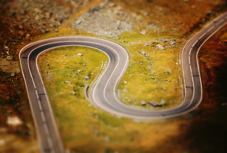 ~    Tilt-Shift Serpentine    ~~ | by harald_kirr