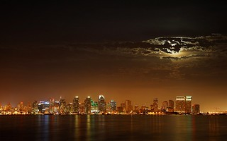 Skyline san diego california at night flickr photo for Trodel mobel