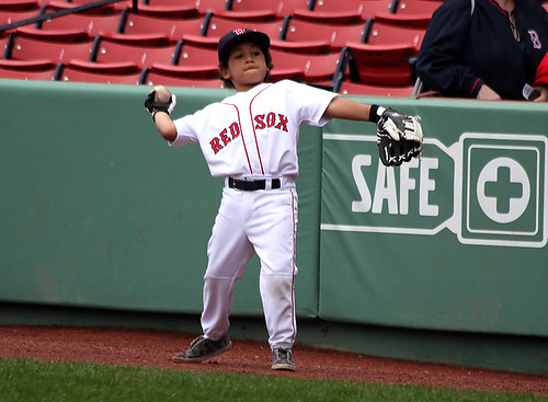 big toss from the little guy | by Boston Wolverine