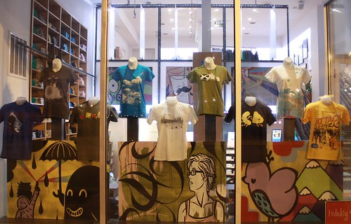 Threadless Store window - 11/20/2009 | by ozmodiar