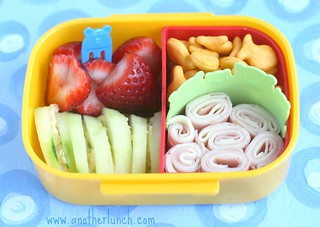 primary bear bento snack box | by anotherlunch.com