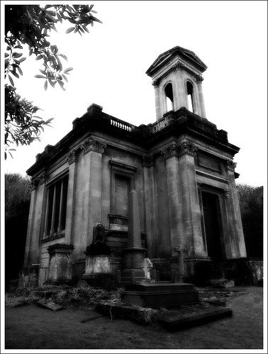 Arnos Vale, Mausoleum | by keehotee