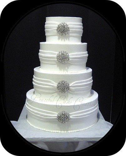 Wedding Cake Jewelry Brooches
