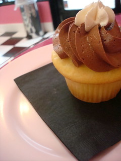 Boston Cream Pie cupcake, New York Cupcakes, Bellevue | by cakespy
