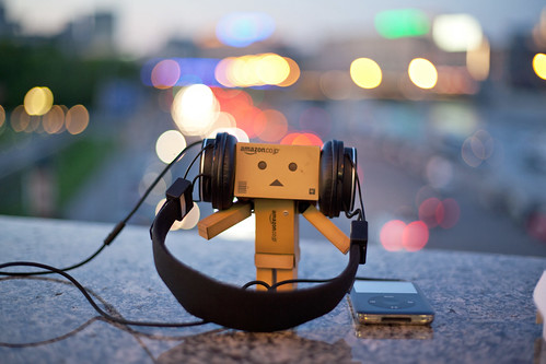 Danbo Loves iPod | by 0905ru