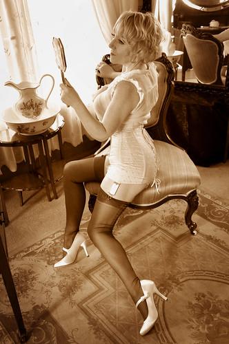 Ju Elle Vintage Corset girdle DSC_0924 | Ju Elle Vintage ...