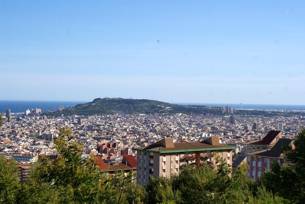 Vue sur la colline de Montjuic à Barcelone.