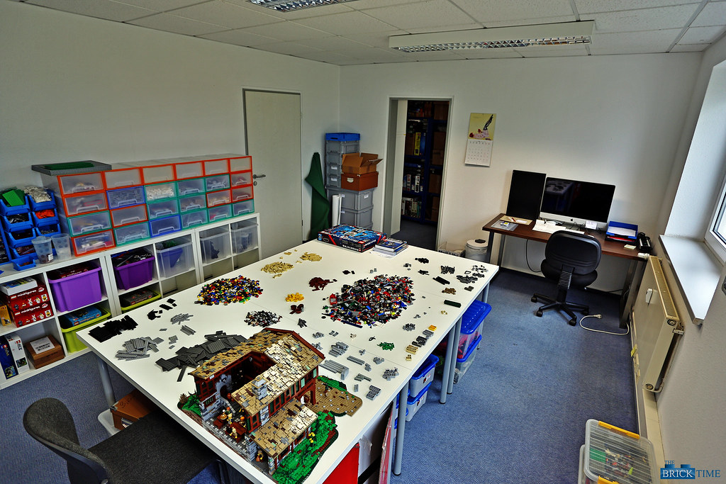 New LEGO work space office
