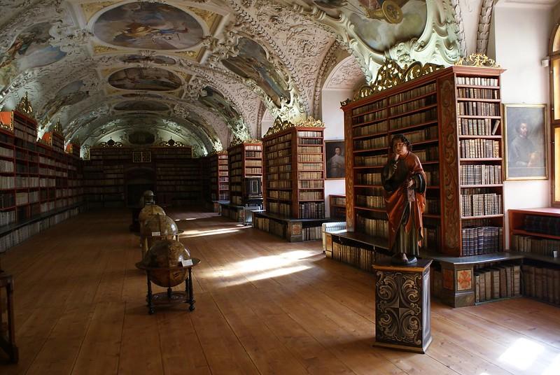 Salle théologique du monastère de Strahov à Prague.
