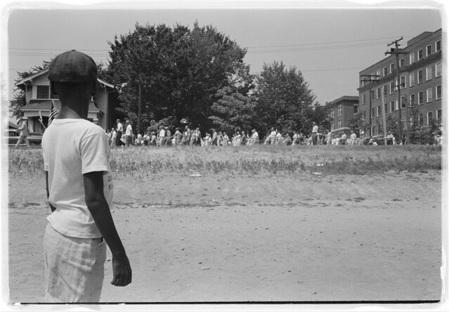 Little Rock, 1959. Mob marching from capitol to Central High (LOC)