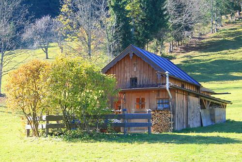 La petite maison dans la montagne MarionIon Flickr # Petit Trou Dans Le Bois