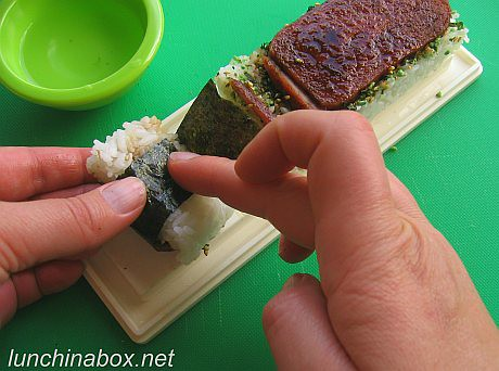 How to make spam musubi (#14 of 21) | by Biggie*
