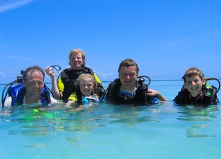 Family Dive @ Bandos House reef.. | by damps