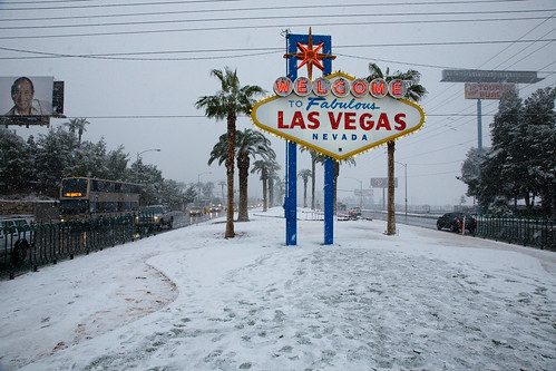 Snowy Welcome to Las Vegas Sign | by Topher.Pettit