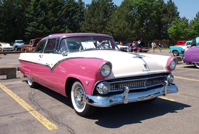 1955 Ford Fairlane Crown Victoria 1