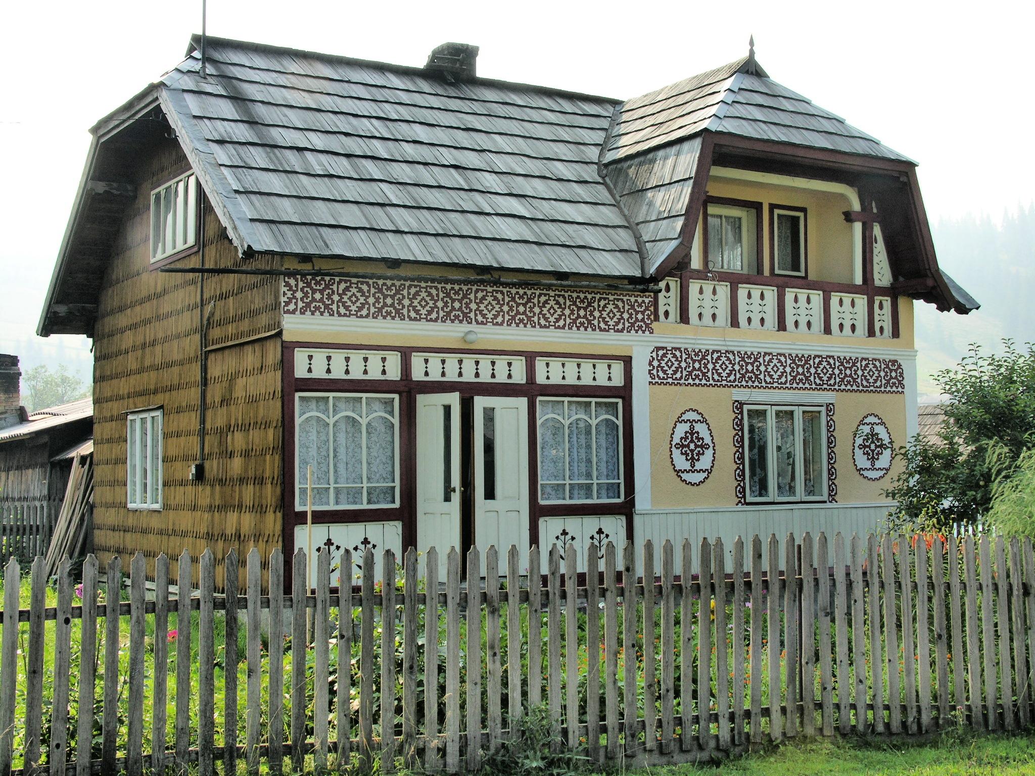 ciocanesti, casa dipinta