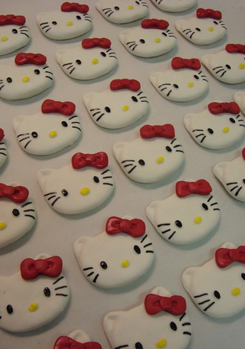 hello kitty cupcake toppers | by debbiedoescakes