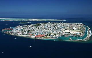 Man made mal maldives mal capital of maldives for Trodel mobel