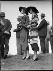 Racegoers at Warwick Farm racecourse | by Powerhouse Museum Collection