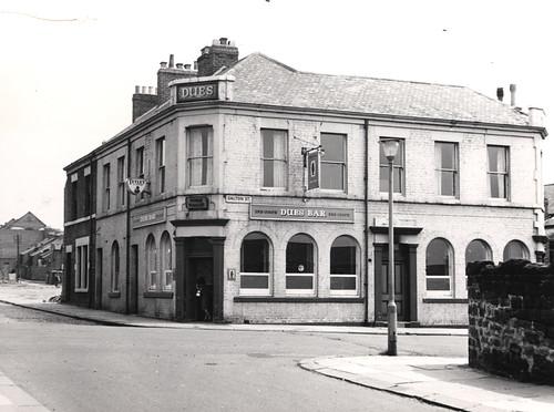 030379:Dues Bar, Byker, 1966